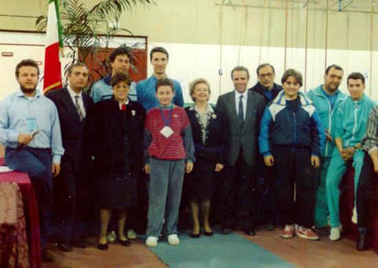 La Prof.ssa Elena Caputi Lembo (al centro) nel 1989 durante il 3° trofeo Maurizio Lembo